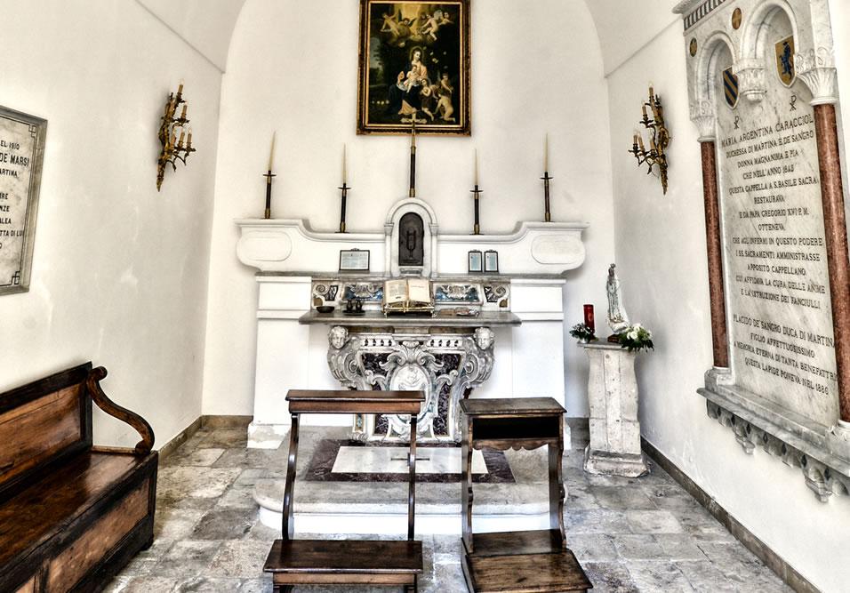 immagine altare chiesa hotel casa isabella taranto