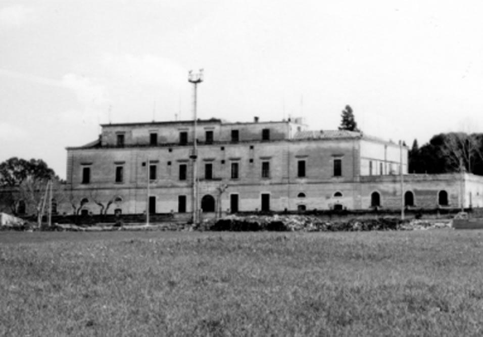 immagine storica del palazzo ducale in fase di ristrutturazione