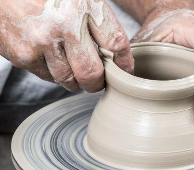 lavorazione ceramica di grottaglie