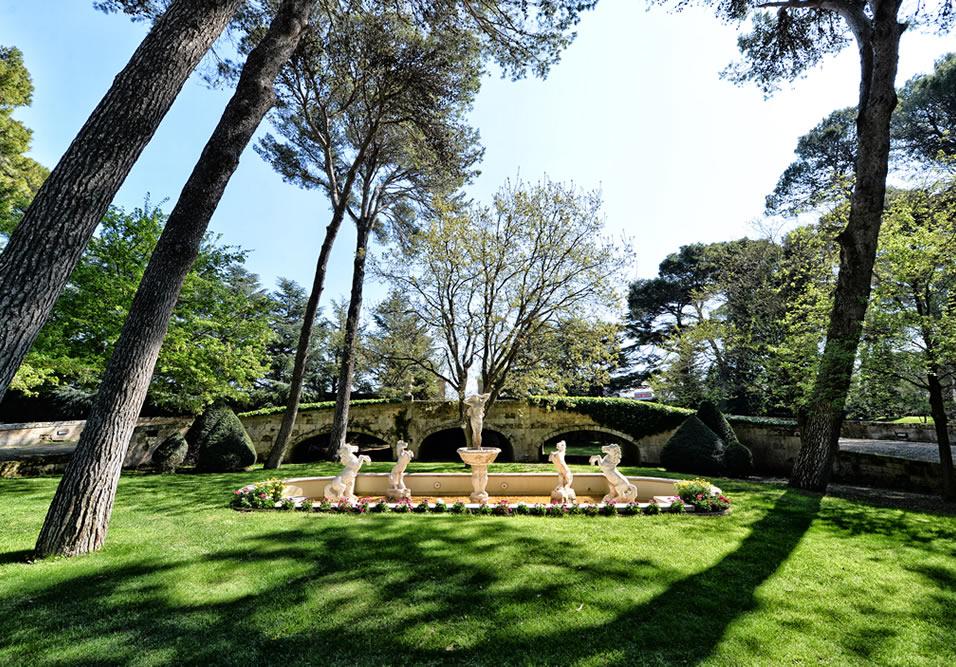 giardino con fontana casa isabella taranto